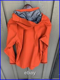 ARC'TERYX Beta AR Goretex Jacket Ember MSRP $575 size Large NWT