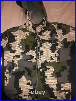 Kuiu hunting jacket