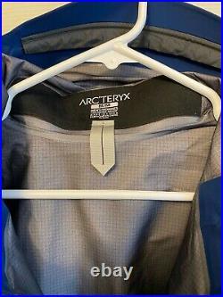 NEW Arcteryx Beta LT Jacket Medium Mens Gore-Tex Pro Waterproof Triton Blue
